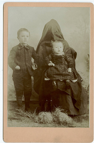 hidden mothers in victorian portraits | the museum of
