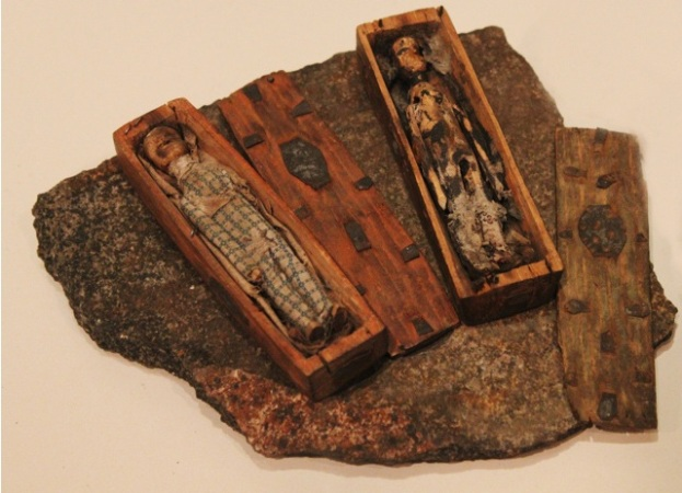 The mysterious coffins of Arthurs Seat detail