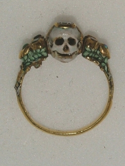17th century memento mori ring showing a skull
