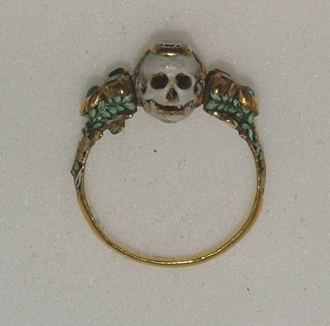 17th century memento mori ring showing a skull