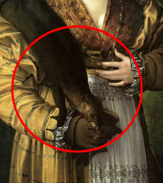 Painting detail showing the realistic weasel pelt draped over the shoulder of a young woman in a golden yellow gown